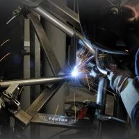 We're still working 👨🏭 #artwelding #craftmotorcycles #motorcyclefactory #enduro #motocross #hardenduro